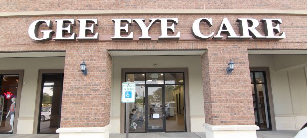 The Exterior of Gee Eye Care in Missouri City, Texas
